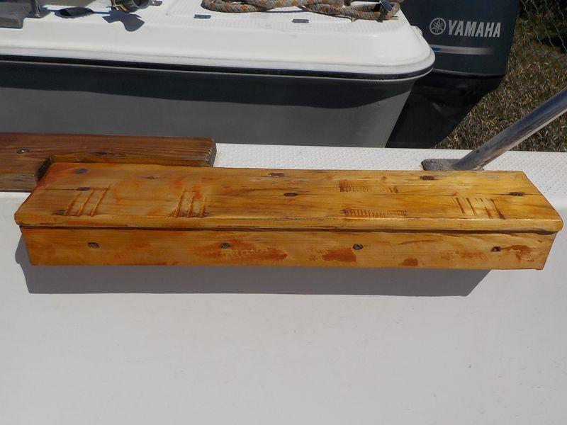 木部は定期的にニスやオイルステイン塗付