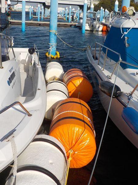 隣艇との緩衝材フロート