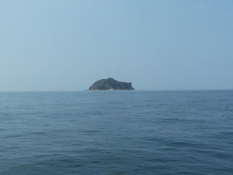上島の北に広がる砂地がポイント
