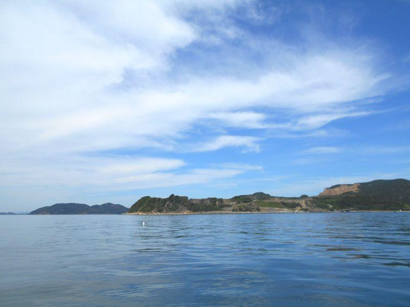 男鹿島を眺め、波静かな釣り場は、お気に入りです
