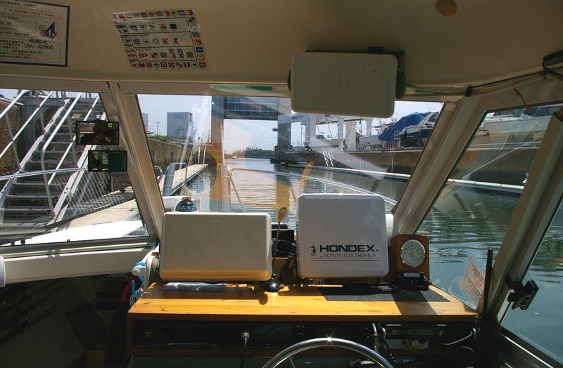 航海機器から無線機やライトなど、電装系はDIYで楽しく作業ができる