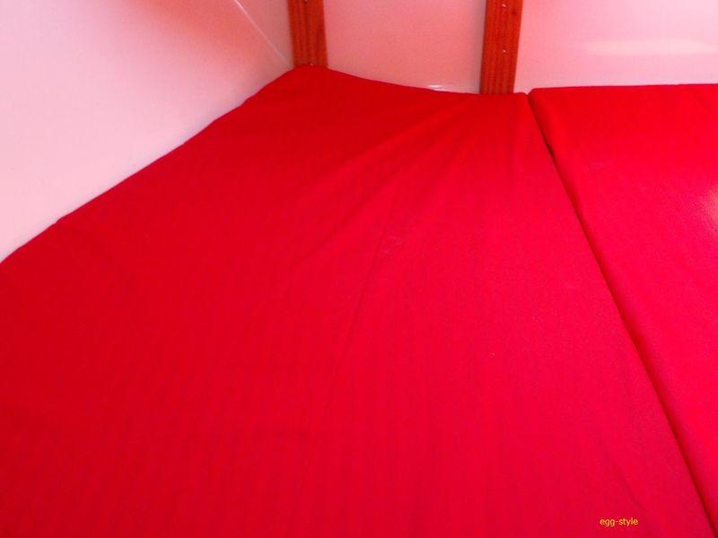 赤い布を張り、きれいになった何年か前のバース 何もなければ、それなりのスペース