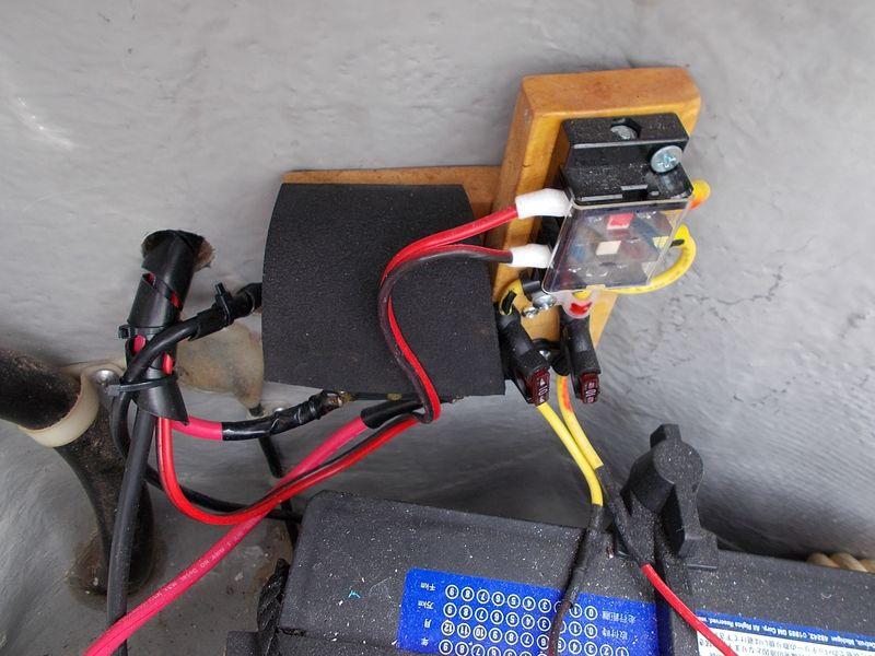 電装品用バッテリーから取得している常時電源