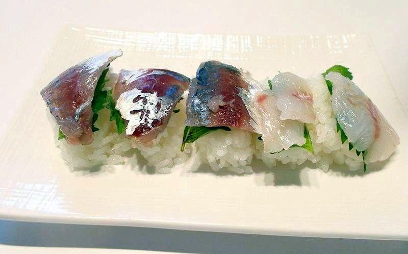 見栄えは悪いが、おいしさは飛び切り上等の鯵寿司